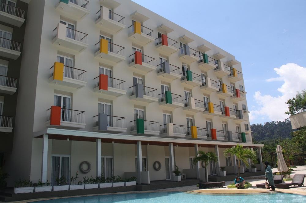 Seru, Menikmati Waktu di Harris Resort Waterfront