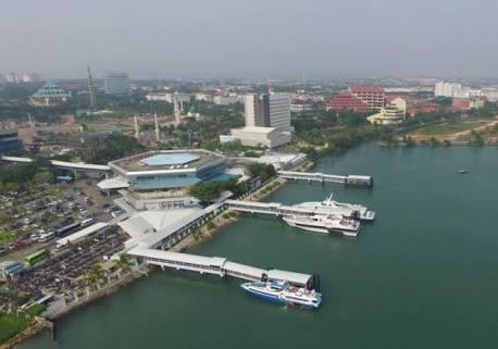 Listrik, Mengubah Pulau Tak Berpenghuni Menjadi Kota Industri