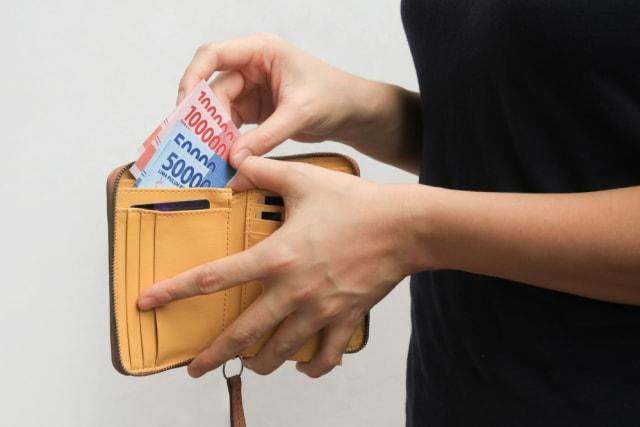 Saat Pembayaran Ditolak karena Uang (Dinilai) Rusak